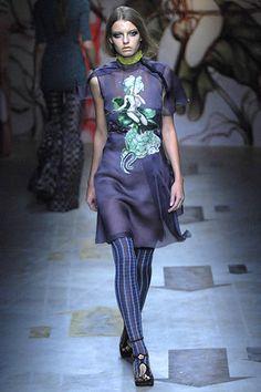 Prada Spring 2008 Ready-to-Wear Fashion Show - Adina Forizs