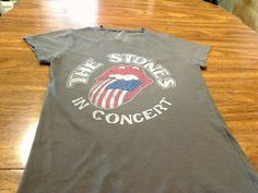 THE ROLLING STONES IN CONCERT T SHIRT GIRL   WOMEN LARGE RARE MICK JAGGER MOUTH