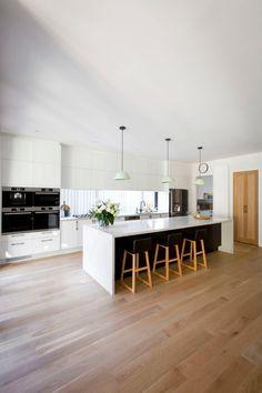 Kitchen Room Design, Modern Kitchen Design, Home Decor Kitchen, Kitchen Furniture, Kitchen Interior, Home Kitchens, Open Plan Kitchen Diner, Kitchen Island, Kitchen Benches