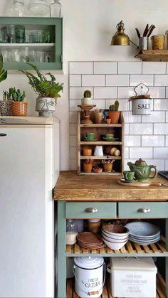 Boho Kitchen, Home Decor Kitchen, Kitchen Interior, New Kitchen, Home Kitchens, Kitchen Dining, Interior Design Living Room, Interior Decorating, Kitchen Cart