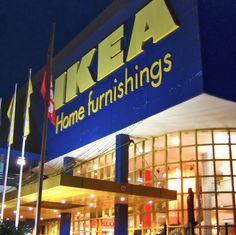 La hora de la comida se ha vuelto un momento en el que cada vez se platica menos entre los presentes ya que están más al pendiente de sus teléfonos celulares, por ello el retailer IKEA decidió crear una mesa que mantiene caliente la comida siempre y cuando las personas no revisen sus aparatos tecnológicos.