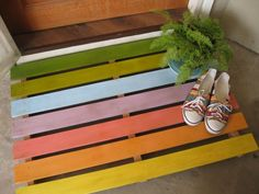 Image result for upcycled bed slats Pallet Crates, Old Pallets, Recycled Pallets, Wooden Pallets, Diy Projects To Try, Wood Projects, Upcycling Projects, Outside Patio, Pallet Creations