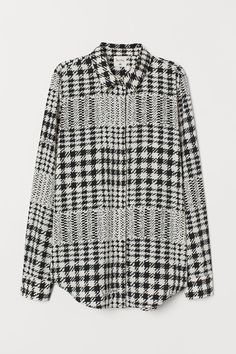 RICHARD ALLAN x H&M. Blouse in soft woven fabric with a narrow collar. Concealed buttons at front, yoke at back with pleat, and long sleeves with buttons at Long Blouse, Black Blouse, H&m Tops, Cute Tops, Flatlay Styling, Pull On Pants, Work Wardrobe, High Collar, Fashion Company
