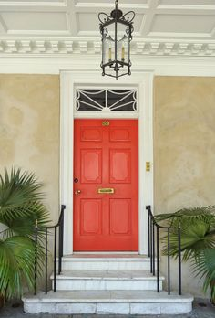 The front door of Branford-Horry House in Charleston, SC