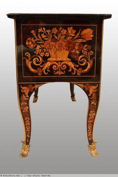 Petit Bureau à décor de Jasmin par Gaudron - AnticStore Antiquités 18ème siècle - Réf.19310