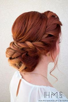 Here are for you stunning hair updos at Christmas or New Year's Eve party to impress everyone.