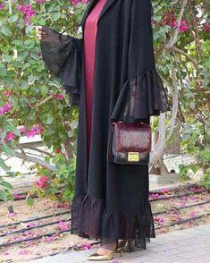 Subhan Abayas Repost with u offer a range of great views to offer u resort 2018 Size fits all Price 700 AED to communica. Abaya Fashion, Muslim Fashion, Kimono Fashion, Couture Fashion, Fashion Dresses, Fashion Shoot, Black Abaya, Mode Abaya, Iranian Women Fashion