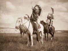 Te zdjęcia z początków XX wieku pokazują, jak kiedyś żyli Indianie