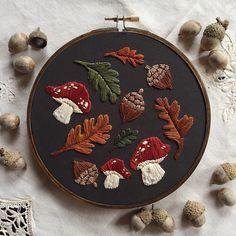 My autumn woodland hoop! : Embroidery