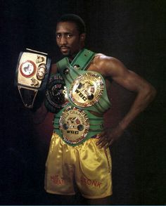 """Thomas """"The Hitman"""" Hearns, out of the legendary Kronk Gym in Detroit, held several world titles in several different weight classes Kickboxing, Ufc, Muay Thai, Jiu Jitsu, Boxing Images, Boxing Posters, Professional Boxing, Boxing History, Boxing Champions"""
