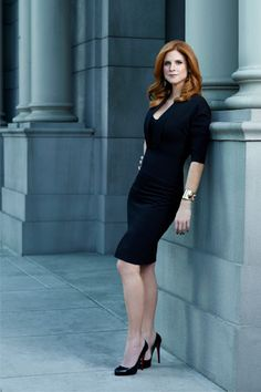 Sarah Rafferty as Donna Paulsen on Suits. Just adore her! Sarah Rafferty, Business Attire, Business Fashion, Office Fashion, Work Fashion, Donna Suits, Donna Paulsen, Suits Usa, Suit Fashion
