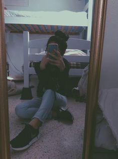 Profile Pictures Instagram, Ideas For Instagram Photos, Creative Instagram Stories, Insta Photo Ideas, Cute Profile Pictures, Teenage Girl Photography, Tumblr Photography, Girl Photography Poses, Best Photo Poses