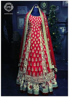 red and white lehenga , front double slit lehenga , layered anarkali , muslim nikah outfit, nikah outfit , farshi , layered lehenga , regal lehenga , heavy lehenga , mughal style outfit ,