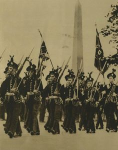The King's Own Scottish Borderers - responsible for the fatal shootings in Dublin at Batchlors walk. (Image: Illustrated London News Military Flags, Military Uniforms, Ireland 1916, Dublin Ireland, Old Pictures, Old Photos, Irish Independence, Flu Epidemic, British Army Uniform