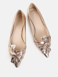 SheIn offers Metallic Bow Pointy Flats ROSE GOLD & more to fit your fashionable needs. Source by yiljee flats Gold Shoes, Women's Shoes, Me Too Shoes, Shoe Boots, Flat Shoes, Pink Shoes, Pretty Shoes, Beautiful Shoes, Cute Shoes