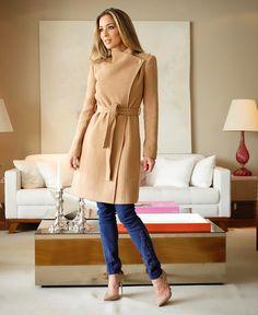 Look lindo da nova coleção #DudalinaMoscow da @dudalina  Achei esse casaco muito chique e com caimento perfeito e o detalhe do jeans muito bacana! Vem Inverno vem!