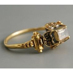 Jewelry Inspiration of the day: Fabian de Montjoye gold and diamond renaissance ring. c. late 16th century #jewelryinspiration