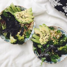 Looks like broccoli, quinoa, avocado, sesame, kale, and nori among other things - gorgeous inspiration!