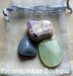 "spiritual wisdom .They represents : Amethyst: ""Stone of the divine"" cleansing / energizing , encourages selflessness& Spiritual wisdom,  Blue quartz: aids in understanding your spiritual nature, attunes you to your spiritual purpose. Green Serpentine: Infinite stone, Stimulates meditative state & spiritual exploration. helps with contacting angelic guidance. psychic awareness. Helps with Spiritual guidance,& wisdom Magick. Come with cleansing and charging instructions. Price 7.50+ Free…"