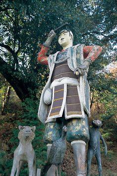 Okayama 岡山(おかやま) きびつひこじんじゃ  吉備津彦神社  桃太郎伝説ゆかりの神社だけあり日本一の大灯篭や日本一の備前焼大狛犬など見所がいっぱい。広い境内の御神池を散策しても見事な景観が楽しめる。