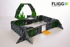 Her ser du et fængsel bygget af Fligg brikker. Med 1000 brikker i hvert kasse Fligg er mulighederne mange, for hvad der skal bygges. Køb Fligg på Nikostine.dk #Fligg #Constructiontoys #Konstruktionslegetøj