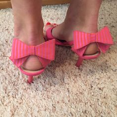 Kate Spade kitten heels with bows Pink and orange, only worn twice Kate spade heels kate spade Shoes Heels
