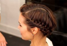 Hairstyles For Long Hair : The Perfect Halo Braid For Short Hair | 17 Easy Back To School Hairstyles