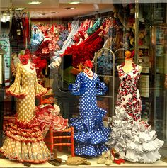 Granada : Flamenca fashion / Moda Flamenca - 1/3