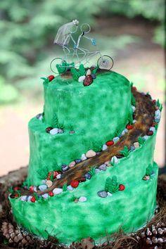 Awesome Mountain Biking Groom's Cake www.vintageandlace.com