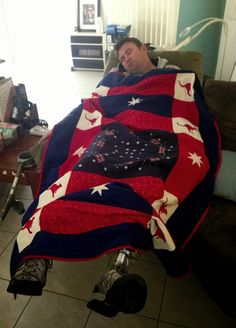 Aussie Hero Quilts (and laundry bags): Our Heroes Part Two Baby Car Seats, Laundry Bags, Quilts, Tasmania, Children, Australia, Room, Art, Young Children