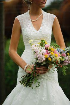 wildflower wedding bouquet #wildflowerbouquet #bouquet #weddingchicks http://www.weddingchicks.com/2014/01/30/time-travel-wedding/ http://www.weddingchicks.com/2014/01/30/time-travel-wedding/