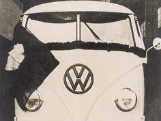 Primeira Kombi, da Volkswagen, produzida no Brasil, em 1957