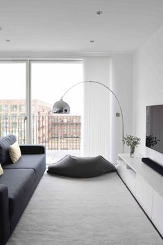Room Tips And Techniques For Contemporary Interior Design living room Contemporary Interior Design, Interior Design Living Room, Modern Design, Contemporary Apartment, Living Room Modern, Living Spaces, Living Rooms, Monochrome Interior, Interiors Online