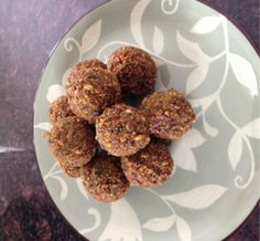I made these this summer and they are delicious. I added a little paprika and turmeric powder to it too. Falafel Recipe, Turmeric Recipes, Vegetarian Main Dishes, Delicious Vegan Recipes, Plant Based Recipes, Spinach, Clean Eating, Snacks, Dinner