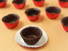 Making chocolate cups