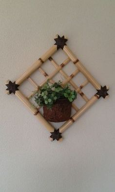Bamboo Planter, Bamboo Art, Bamboo Crafts, Rattan, Bamboo Furniture, Old Houses, Ladder Decor, Floral Arrangements, Origami