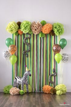 Economical jungle party decorations