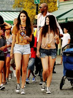 Kendall & Kylie- looks<3