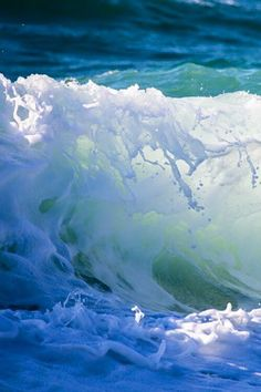 thelordismylightandmysalvation: Wave ~ By Tomoaki Kabe Surf's Up! thelordismylightandmysalvation: Wave ~ By Tomoaki Kabe Surf's Up! No Wave, Water Waves, Sea Waves, Sea And Ocean, Ocean Beach, Beach Bum, I Love The Beach, Beach Quotes, Ocean Quotes