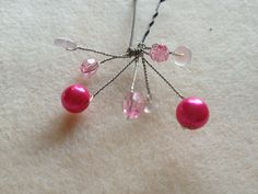 Pin glass bead hair pin