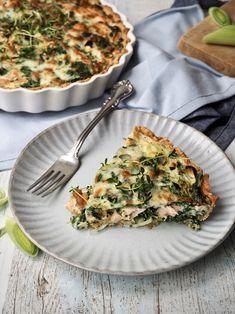 Elsker du en god, hjemmelavet tærte og har svært ved at få nok fisk? Så prøv den her laksetærte uden almindelig hvedemel og en masse smør.