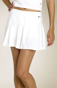 Nike pleated tennis skirt -- we need this style this year Tennis Outfits, Tennis Clothes, Golf Outfit, Looks Academia, Pleated Tennis Skirt, Tennis Skirts, Tennis Workout, Tennis Match, Tennis Fashion