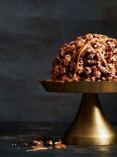 Suklaa-popcornkakku on hauskin jälkkäri Baking, Bakken, Backen, Sweets, Pastries, Roast