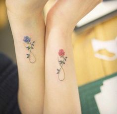 ▷ Flower Ideas Tattoo designs and their meanings .- ▷ 1001 + Ideen für Blumen Tattoo Designs und ihre Bedeutungen tattoo orchid or rose, partner tattoos with roses, blue rose for man and red for woman, symbol of eternity, love and tattoos - Subtle Tattoos, Pretty Tattoos, Beautiful Tattoos, Mother Daughter Tattoos, Tattoos For Daughters, Mother Daughters, Mother Tattoos, Mother Son, Tattoo For Husband
