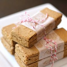 No-bake, 6-ingredient Peanut Butter Fudge Protein Bars - 170 calories, sugar free and 18g protein!