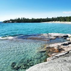 This Beautiful Hidden Island Is One Of Ontario's Best Kept Secrets - Narcity Places To Travel, Places To See, Travel Destinations, Ottawa, Ontario Beaches, Canadian Travel, Canadian Rockies, Ontario Travel, New York Vacation