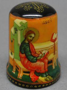 Dedal ruso de papel mache lacado, pintado a mano. Thimble-Dedal-Fingerhut.