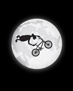 ET doesn't do the ET (Bmx trick) but instead throws a superman seat grab Bmx Bikes, Cycling Bikes, Cool Bikes, Cycling Jerseys, X Games, Bmx Vintage, Vintage Bicycles, Velo Biking, Tatoo Bike