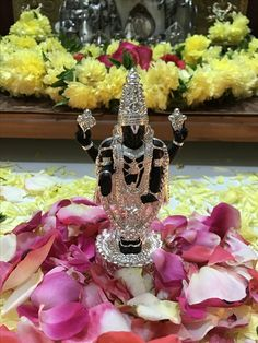 Silver Accessories, Silver Jewelry, Gauri Decoration, Kitchen Sets For Kids, Silver Pooja Items, Silver Lamp, Home Temple, Pooja Room Design, Puja Room