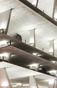 Estacionamiento 1111 Lincoln Road, Miami por Herzog y de Meuron Architecture Design, Amazing Architecture, Contemporary Architecture, Miami Beach, Richard Rogers, Parking Building, Lincoln Road, Garage Gym, Parking Design